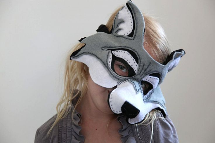 Homemade wolf mask made out of felt. Perfect for wolf dress ups for our little red riding hood party.