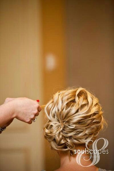Curly wedding updo!!! Love this hair for my bridesmaids!!!!