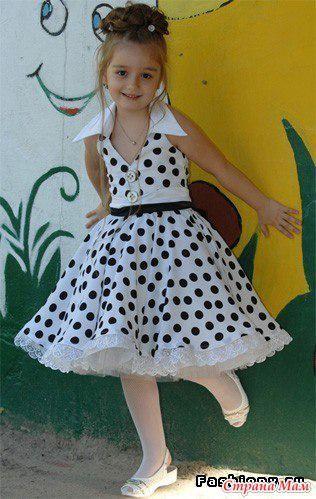 Платье в ретро стиле. Моделирование.