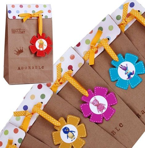 Sweet Backyardigans party favour/gift bags.