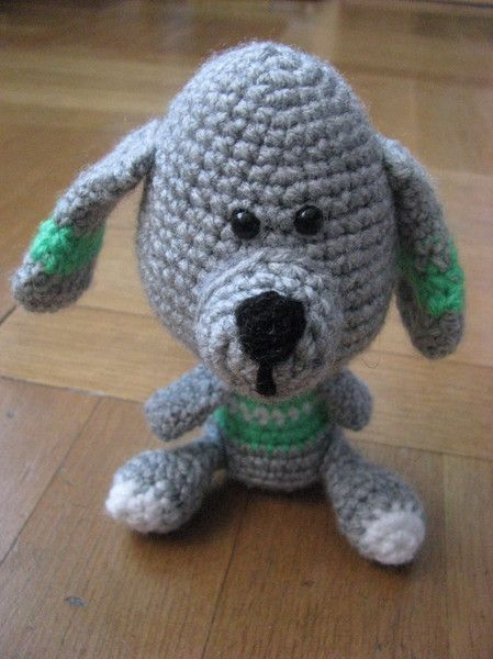 Monster & Tiere - Hugo, der Hund, aus 100 % Polyacryl gehäkelt - ein Designerstück von haekeltante1982 bei DaWanda