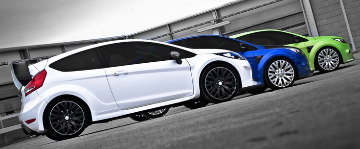 The white Kahn Ford Fiesta ST, the blue Kahn Focus RS, and the green Kahn Focus ST speak of daring style.