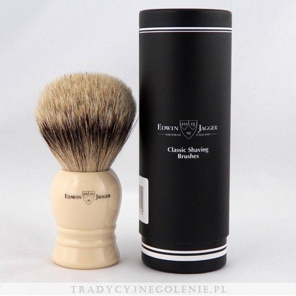 Najwyższej klasy bardzo duży pędzel do golenia Edwin Jagger z najwyższej jakości ręcznie selekcjonowanego włosia borsuka klasy super badger. Rączka w kolorze kości słoniowej, na rączce logo Edwin Jagger.
