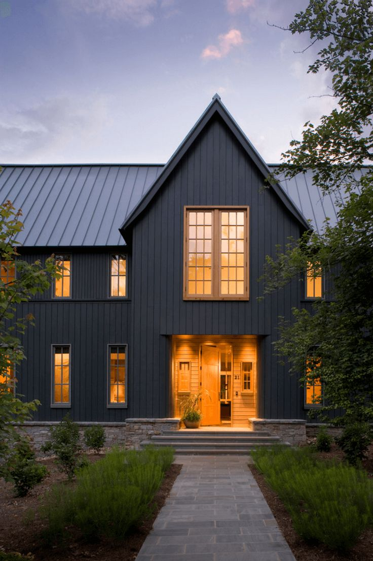 Best 25 black house exterior ideas only on pinterest for Cottage siding