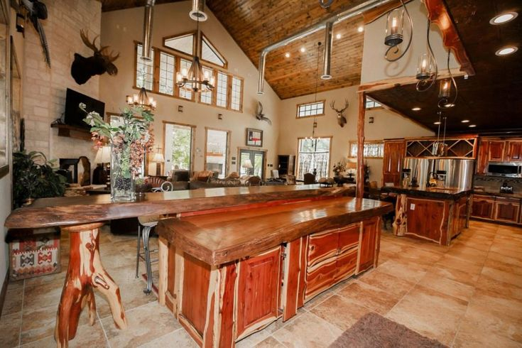 Why Texans Escape To Quiet Scenic Concan On The Frio River Every Summer Fab Everyday Tree House Accommodation Ranch Furniture Country Dining