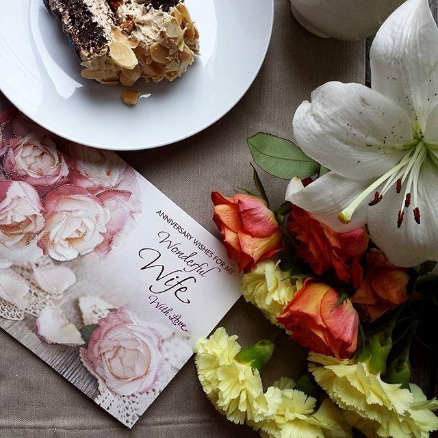 #anniversary #love #friends #couple #weddingday #aniversario #photography #photographer #food #cakedecorating #cake # amor #mississauga #fotografias #pictures #fotografia #magazine #covermagazine #lovequotes #cards #flowers #rosas #roses🌹 #romantic#seekthesimplicity #verilymoment #theartofslowliving #tumblr#weddinganniversary #marriageanniversary