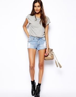 Ingrandisci Glamorous - Pantaloncini di jeans consumati in stile anni '90