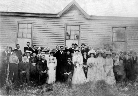 Wedding party of Rufus Burnsyde and Mary Eastcott, Yarloop 1909 slwa b2786290