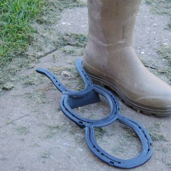Perfect house warming present! Vintage : Horse Shoe Beetle Boot Jack