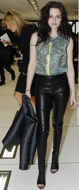 Kristen Stewart in Balenciaga-hotttttttttttttttttttttttttttttttttttt
