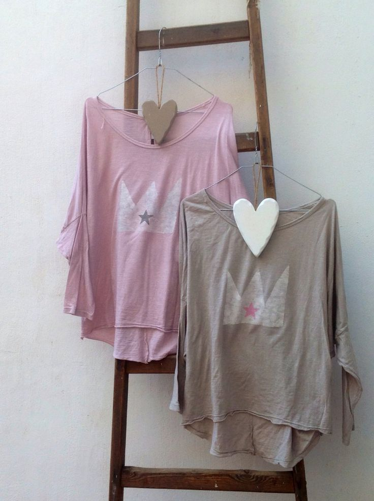 Camiseta corona estrellita de Petite Manuela Facebook