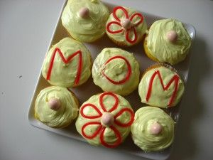 Mother's Day Cupcakes - use time making treats into literacy learning.: Crafts For Kids, Cupcakes, Kid Ideas, Mother'S Day, Mothers Fathers