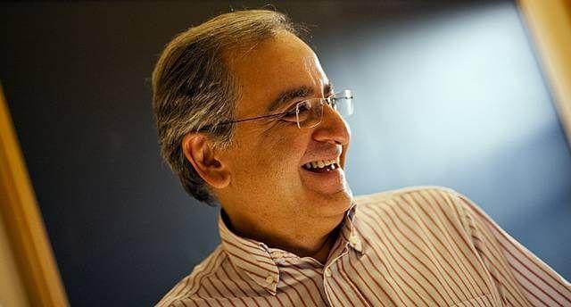 یک دانشمند ایرانی برنده یکی از جوایز موفقیتهای علمی آمریکا شد. کامران وفا، به همراه دو تن دیگر جایزه نقدی مربوط به بخش فیزیک را از آن خود کردند.
