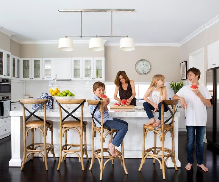 Having secured their ideal spot, this Perth family completed the picture with a home that is contemporary and comfy.