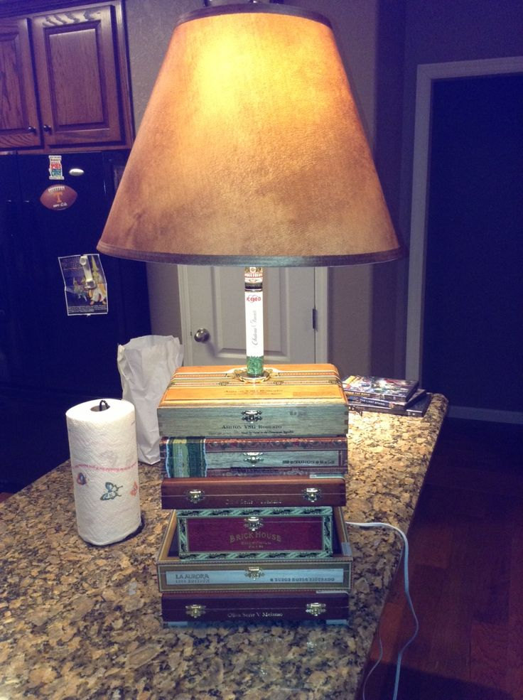 Cigar Box Lamp - Chuck has been making these and i love them... very casual and campy