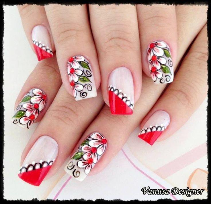 uñas frances rojo flores blancas