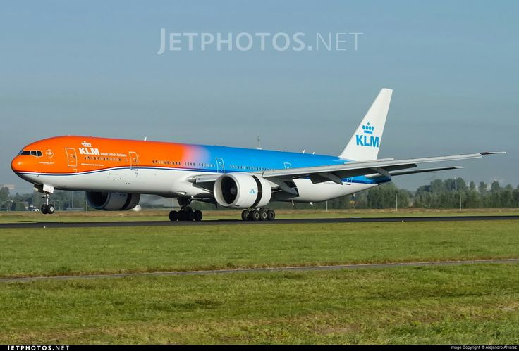 KLM - Royal Dutch Airlines Boeing 777-306/ER