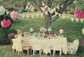 Maddycakes Muse: Alice in Wonderland Tea Party--obviously reimagine for indoors