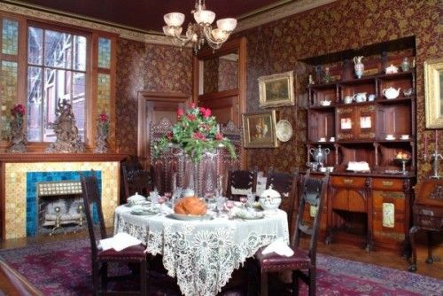25 best ideas about victorian dining rooms on pinterest for Victorian dining room decorating ideas