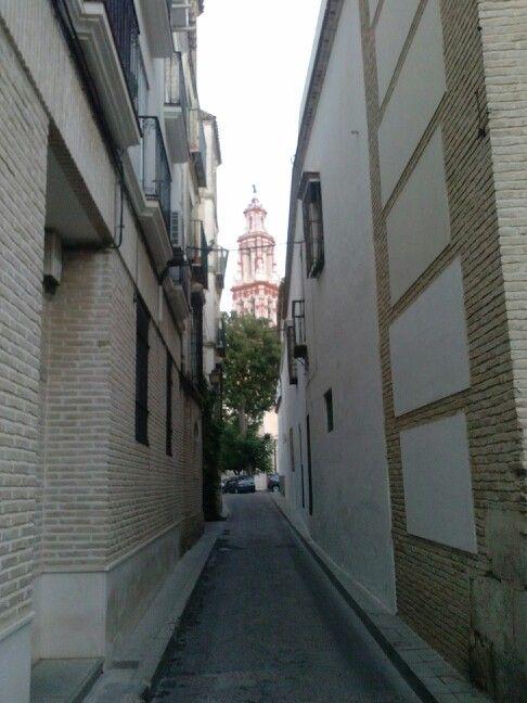 Calle de Écija al fondo la torre de San Juan.