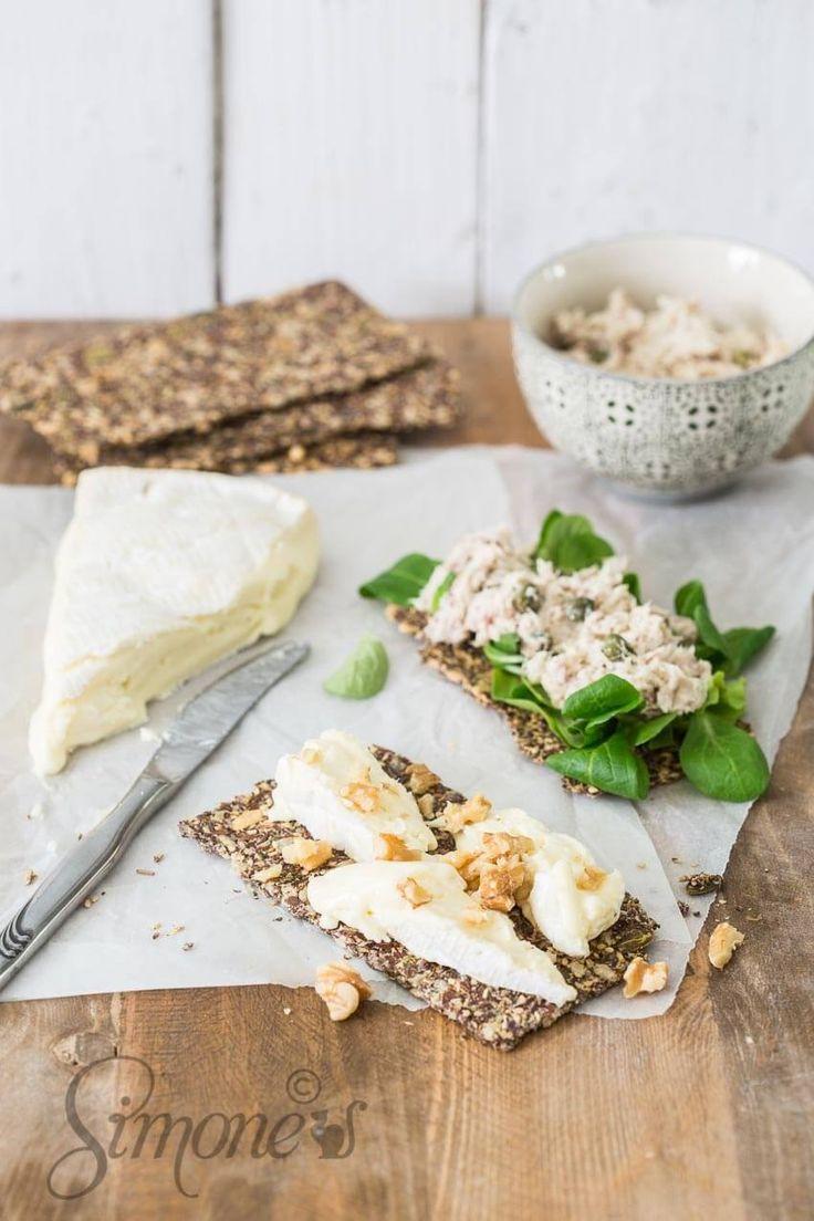 Ontbijt - Heerlijke lijnzaadcrackers en Hoe word je 100 http://simoneskitchen.nl/heerlijke-lijnzaadcrackers-en-hoe-word-je-100/