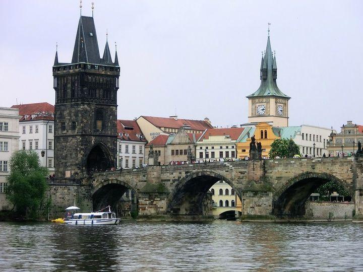 まるで街全体がおもちゃのような、可愛らしく雰囲気もある街、チェコ・プラハ。今回は女子一人でも気軽に行けちゃうプラハの絶対外せない女子旅の超おすすめ観光スポットを20個紹介!