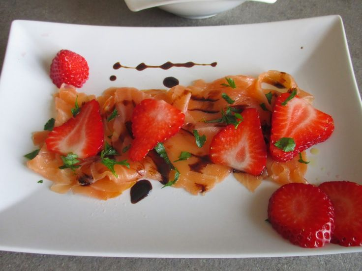 FORNELLI IN FIAMME: SALMON WITH STRAWBERRIES AND BEETROOT - Salmone con fragole e barbabietole