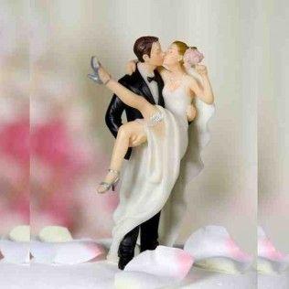 Figurine de mariage la mariée avec la jambe en l'air