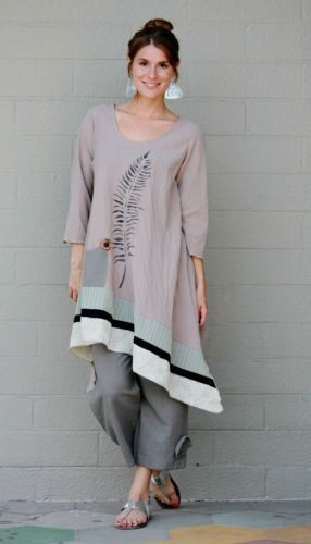 Such simple lines; the lopsided cut gives it a modern appeal, the muted colour and loose fit is suitable for older women, and the fern/feather is emblematic of the natural world.  LEE-ANDERSEN-USA-Cotton-Gauze-FERN-TUNIC-Art-to-Wear-Long-Top-S-M-L-XL-TAN