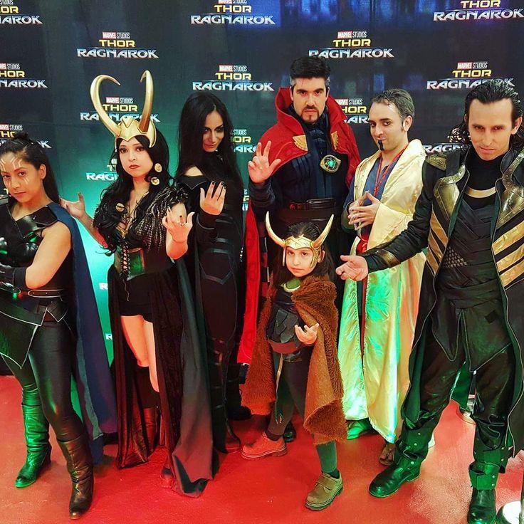 De la Avant Premiere de #ThorRagnarok   Ph: @muzcosphotoplay . #cosplay #cosplayer #team #hela #loki #ladyloki #valkyrie #doctorstrange #drstrange #helacosplay #thor #avantpremiere #marvel #marvelcosplay #marvelstudios #instacosplay #comics #superhero #cinecolorfilms