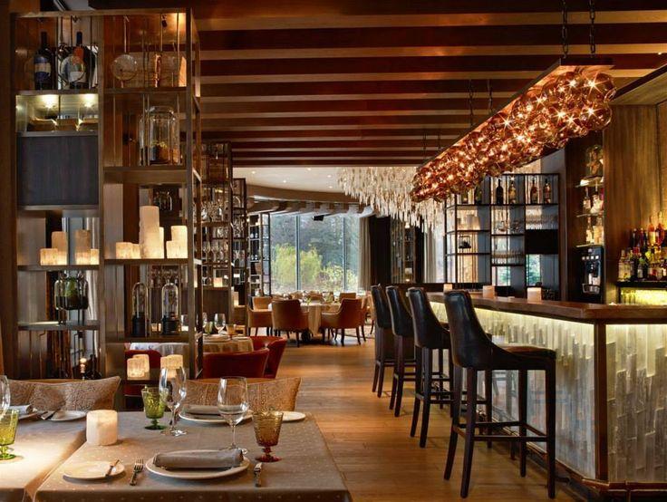 Il Lago Dei Cigni Restaurant, Russia. #restaurant #lighting #interior #hospitality #design #swanlake #bar