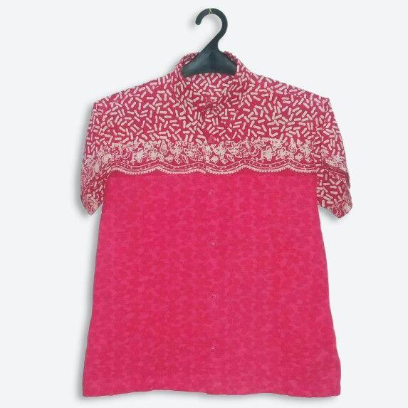 Cute color for attending an event. #cutecolor #batikforteens #batikshirt www.pipopile.com