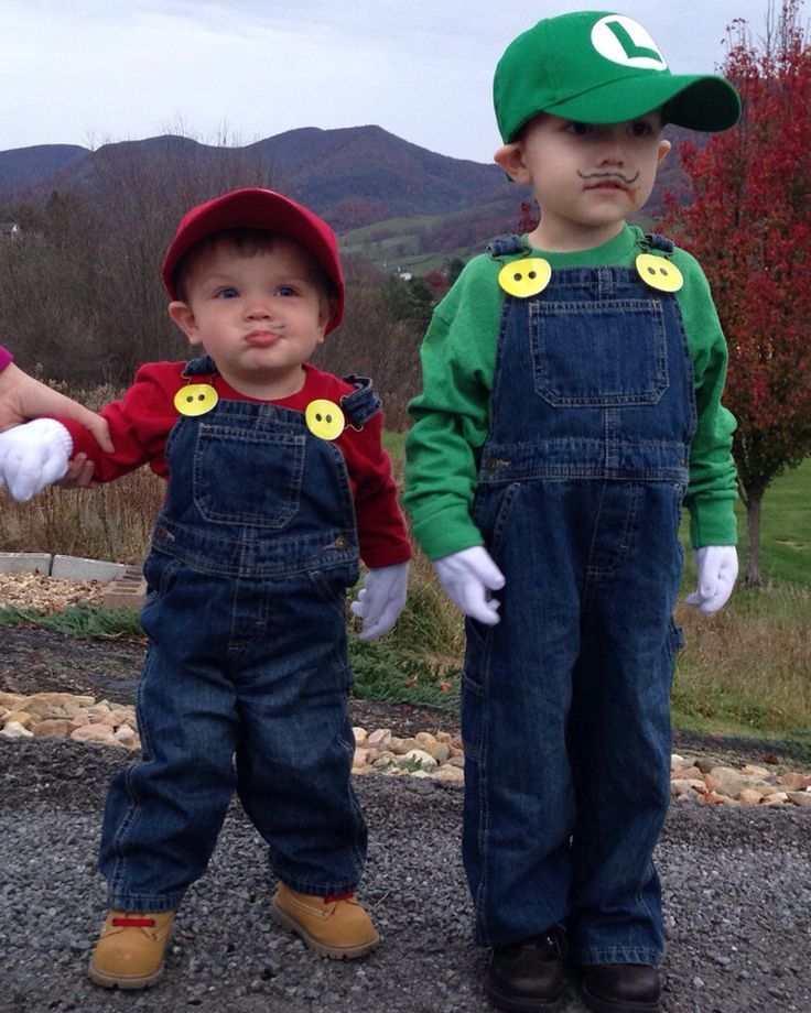 Super Mario Brothers- Mario and Luigi easy DIY for Bryden  sc 1 st  Pinterest & 186 best Holiday: Halloween images on Pinterest | Costume ideas ...