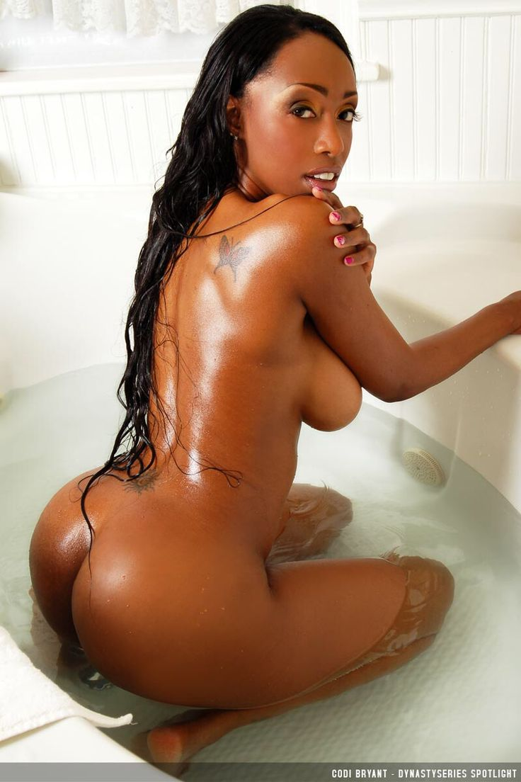 Thick light skinned ebony gets a good fuck