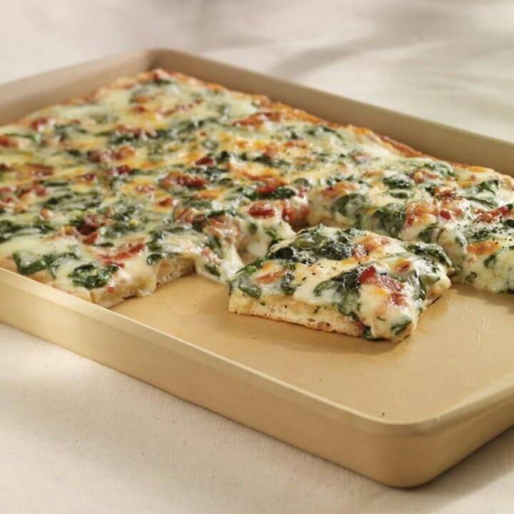 Pampered Chef spinach carbonara pizza. www.pamperedchef.biz ...