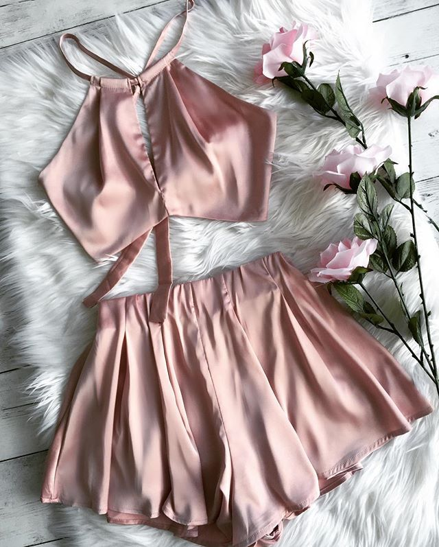 Silkiest outfit for fall!   NEW ARRIVALS Available online WWW.LUSHFOX.COM Fast shipping & Easy returns! #wdywt #igfashion #igdaily #ootn#love #cute #happy #dailylook #fashionbloggers#instalook #instamood #instapic #girl #love #lotd#ootd #follow #fashionista #fashion #spring#bestoftheday #picoftheday #inna #lookbook#lushfox #nofilter #dresses #sexy #hot