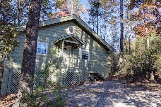 Helen, GA Cabin Rentals | Mountain Haven| Rustic Cozy Cabin Near Unicoi State Park