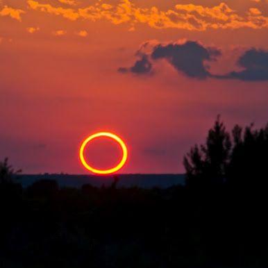 AMAZING eclipse photo.