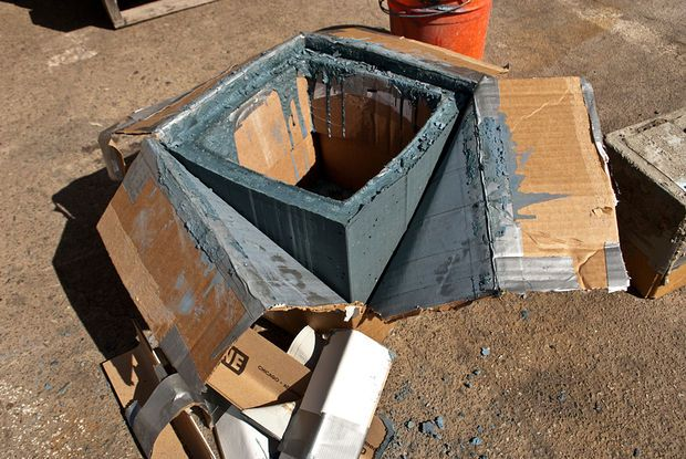 DIY CONCRETE:: Planter Box
