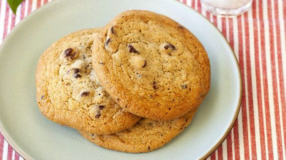 All-American Chocolate Chip Oatmeal Cookies - Grandparents.com ...