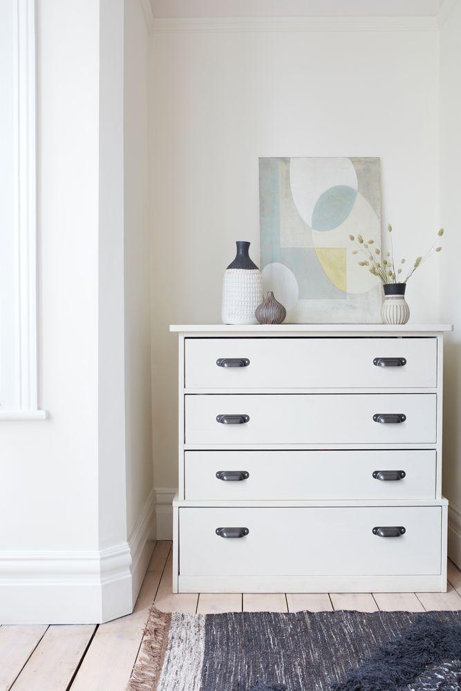 Para Una Habitacion Un Blanco Roto Siempre Aporta Serenidad Y Relajacion Colores Del Decoraciones De Casa Dormitorios Blancos Modernos Habitaciones Blancas
