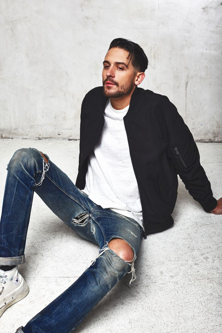 G-Eazy looks a lil different. Don't care for the facial hair but it's fine....its G-Eazy!!!