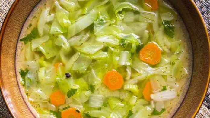 Диетический суп из капусты! http://bigl1fe.ru/2017/07/04/dieticheskij-sup-iz-kapusty/