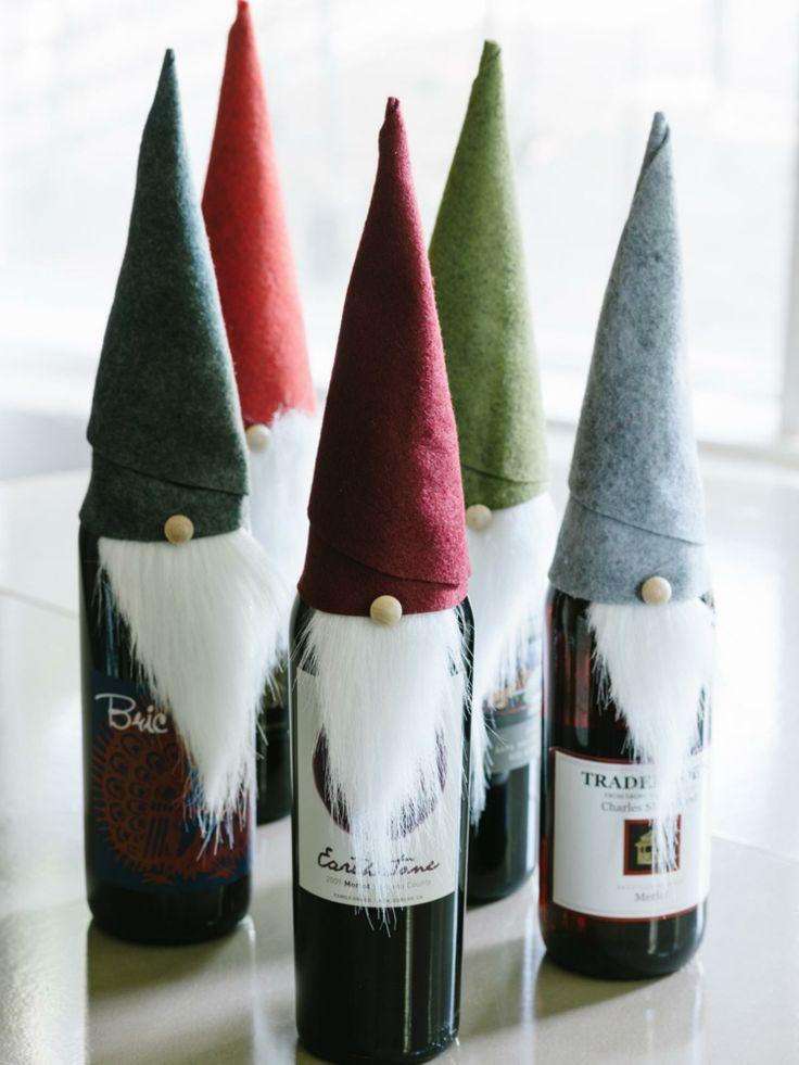 weinflaschen zu weihnachten zwergen dekoration bart huete filz diy