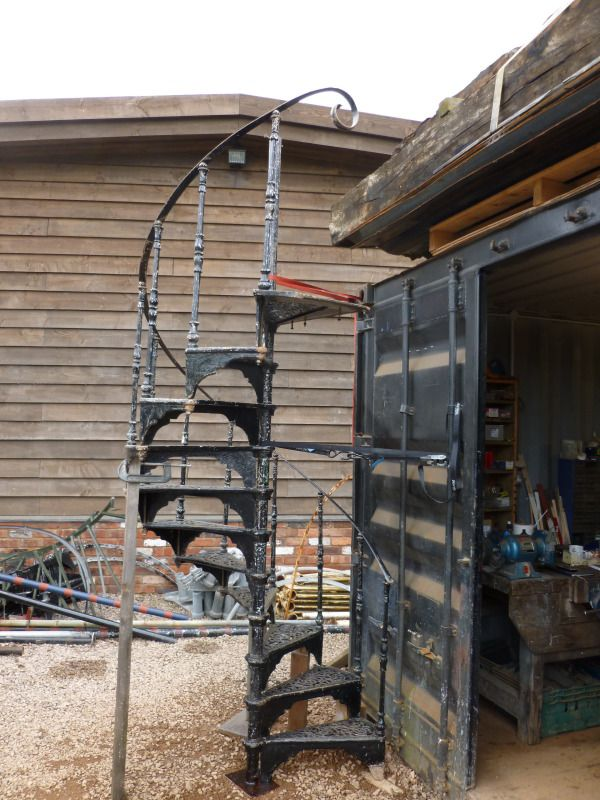 Antique Cast Iron Spiral Staircasewith Top HandrailCast