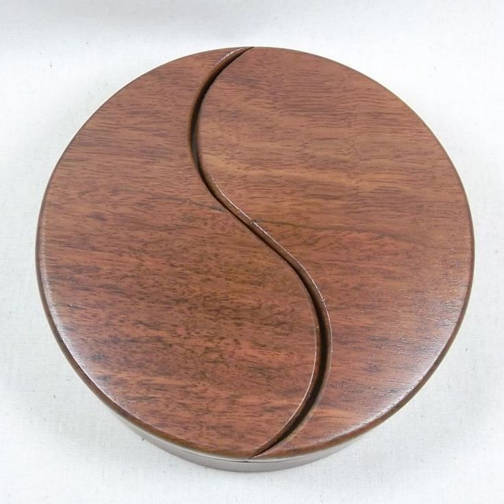 Ying Yang trinket box that features swing lids that allow access to two separate compartments.  australianwoodcraft.com.au/jewellery-boxes.html
