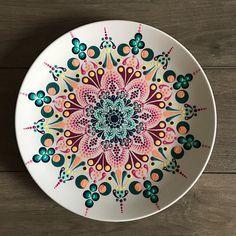 Diese dekorative Mandala-Platte hat einen Durchmesser von 15 cm und …   – decoupage