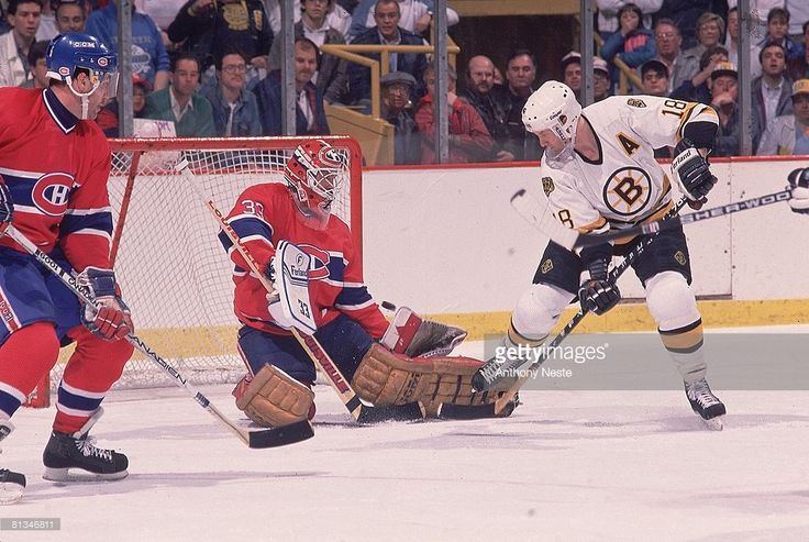 hockey-playoffs-montreal-canadiens-goalie-patrick-roy-in-action-vs-picture-id81346811 (1024×687)