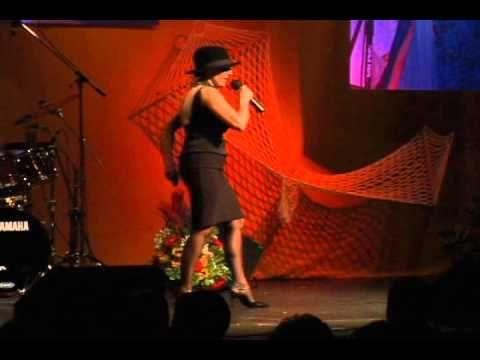Magda Papierz - Kabaret pod Banka - Muzycy - YouTube