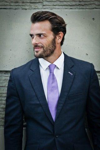 handsome man contrebande model